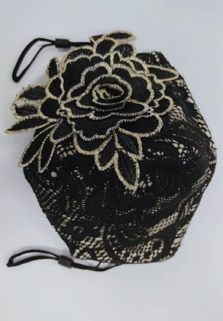 Lace Mask With Filter Inserted